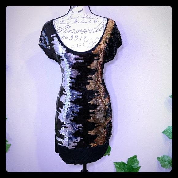 BCBGMaxAzria Dresses & Skirts - BCBG Maxazria Sequin Gold Silver Dress